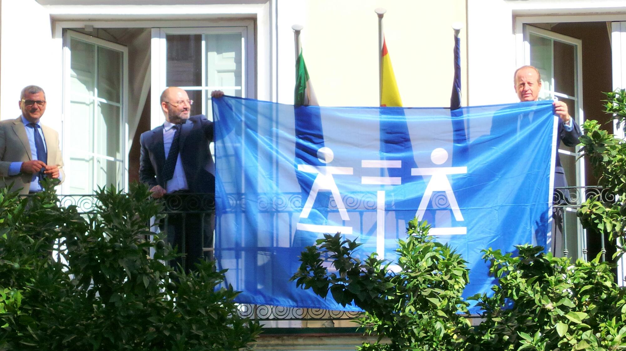 Izada de la Bandera del Día de la Justicia Gratuita y del Turno de Oficio