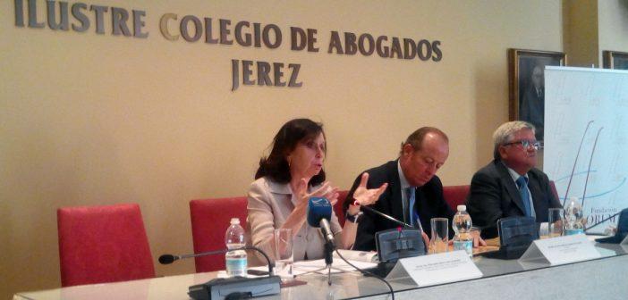 La 1ª Presidenta del Tribunal Constitucional clausura el Curso de Especialista en Derecho del Trabajo del Colegio de Abogados de Jerez