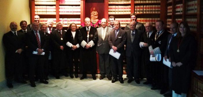 Insignia de Oro para los abogados con 40 años de profesión y bienvenida a los nuevos colegiados